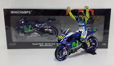 Minichamps Valentino Rossi 1/12 Set Yamaha M1 YZR GP Silverstone 2015 MOTOGP