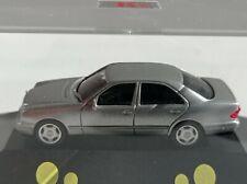 Herpa  Collection Mercedes-Benz W 210 silbermet. NL-Modell  OVP in Vitrine