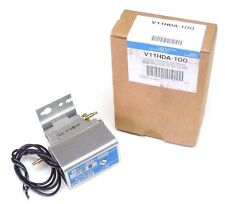 """NIB JOHNSON CONTROLS V11HDA-100 SOLENOID AIR VALVE 440-480V, 50/60HZ, 1/8"""" NPT"""