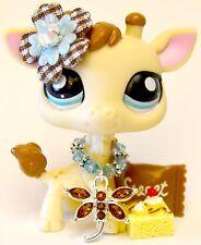 Littlest Pet Shop ULTRA RARE 2447 Cream Ivory Blind Bag Giraffe w/ Blue Eyes