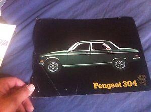 1972 Peugeot 304 USA Market Color Brochure Prospekt