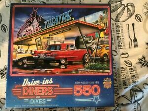 Drive-in Theatre Jigsaw Puzzle - 550 Pieces - Master Pieces - Old Cars