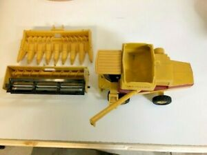 Vintage Ertl Die Cast New Holland Combine With Two Heads 1:32 1980's