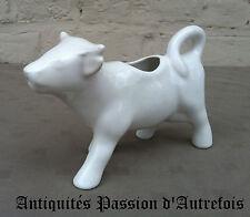 B20130427 - Pot à lait en forme de vache en faïence blanche - Très bon état