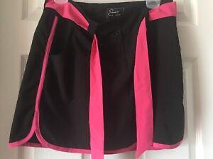 Emerald 18 Golf Skort Size 10 Black Pink Stretch Vented 4 Pockets Front Zip Belt