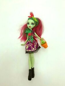 Monster High Party Ghouls Venus McFlytrap Doll HTF 2016 EUC w Plant