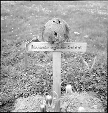 WWII Photo Unknown English  Soldiers Grave  WW2 B&W World War Two / 2248