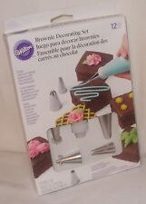 Wilton 12 Brownie Decorating Set Nozzles Tips Coupler Bags Decorating Triangle