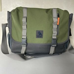 LL Bean Bag Traverse Padded Travel Messenger Bag Green Gray