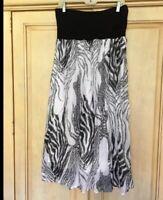 Tiered Skirt Metro Wear Size Large 12/14 Boho Peasant Elastic Waist White Black