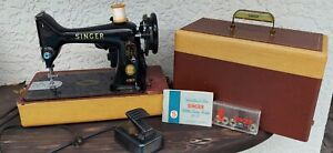 Vintage 1956 Singer 99-31 Sewing Machine w/ Case Good Working Condition!