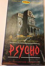 Psycho/Bates Mansion,resin garage ,basis for Polar lights kit,rare & wonderful