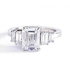 2.00Cts Vs2 F Corte Esmeralda Cinco Piedra Diamante Pavé Anillo de Compromiso
