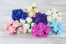 Flores, pétalos y guirnaldas en rosa para bodas