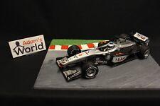 Minichamps McLaren Mercedes MP4-16 2001 1:18 #3 Mika Hakkinen (FIN) (F1NB)