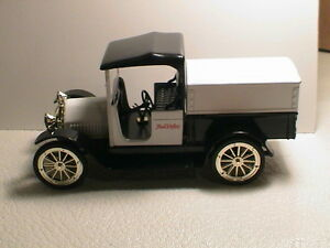 1916 STUDEBAKER TRUE VALUE LIBERTY CLASSICS 3RD IN SERIES COIN BANK TOY TRUCK