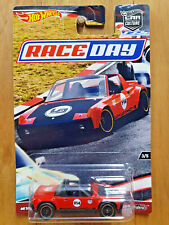 Hot Wheels Car Culture 1:64 Race Day White Greddy Porsche 962