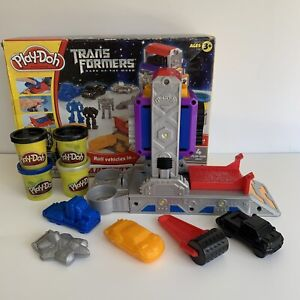 Play-Doh Transformer Dark of the Moon Autobot Workshop 2010