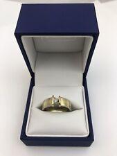 Unusual 2 Tone 18ct Gold & Triangular Diamond Ring. Size O 6.7 Grams 0.2 Carats