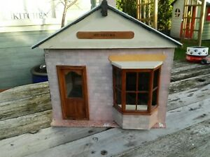 Dolls House Shop.  12th Scale