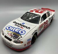 2001 LE Kevin Harvick  #29 Goodwrench Oreo NASCAR Action 1:24 Scale Replica