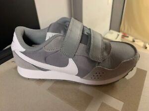 Nike MD Valiant PSV Neu Grau Sneaker Gr:32 CN8559-001 Klettverschluss Kids Uni