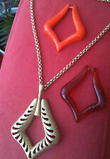 Remarkable Vintage Sarah Coventry Necklace - Lucite Inserts & Gold Tone Metal