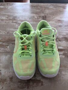 Nike Revolution 3 Gr.38,5