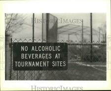 1994 Press Photo No Alcoholic Beverages sign at Mike Miley Playground, Metairie