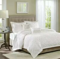 Harbor House 3 Piece Suzanna King Duvet Cover Set Tufted Medallion Scroll White