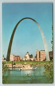 Gateway Arch and St. Louis Waterfront East St. St. Louis, Ill. Illinois Postcard