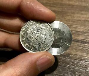 CLOSE UP MAGIC 10 PENCE SPLIT COIN / 10p SPLIT COIN MAGIC TRICK COIN THROUGH BAG