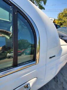 2003-2004-2005-2006-2007-2008-2009 LINCOLN TOWN CAR LEFT REAR DOOR VENT GLASS