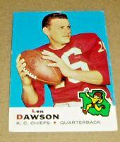 1969 Topps Football Card #20 Len Dawson-Kansas City Chiefs.