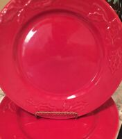 Christmas Ivy Red Dinner Plates Set Of Four 10.5 Inches
