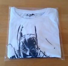 Batman T-Shirt Adult Size Small Chest Approx 98cm Unworn With Tag