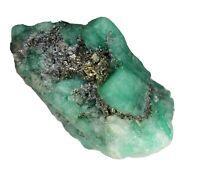 Conglomerado de canutillos de esmeralda en su matriz, con pirita, 17 grs