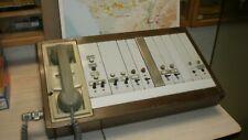 ancien pupitre téléphonique de gare