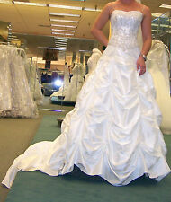 Wedding dress w under skirt and veil, size 4 (Ivory Champagne Color)