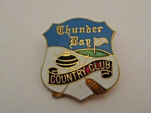 VINTAGE THUNDER BAY ONTARIO CANADA CURLING & COUNTRY CLUB SPORTS CURLING PIN