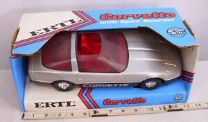 ERTL CHEVY CORVETTE WITH OPEN SUN ROOF DIECAST MODEL 1/16 CAR 3692 NEW IN BOX