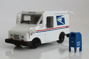 USPS Postal Mail Delivery Box Truck LLV with Mailbox 1:64 Scale Diecast Model