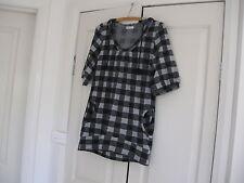 Ladies Top with Hood Design Drea my Minx Size S Colour Black Light & Dark Greys