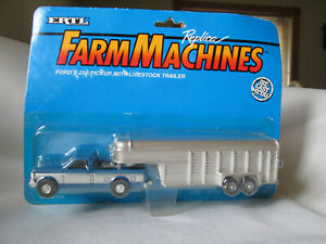 1995 Ertl Farm Country 4x4 Ford Pickup Truck & Livestock Trailer #311 Blue/Silve