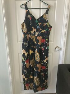 Ladies Gorman jumpsuit size 14 with pockets no sleeves