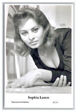 Sophia Loren (C) Swiftsure Postcard year 2000 modern print 20/33 glamour photo