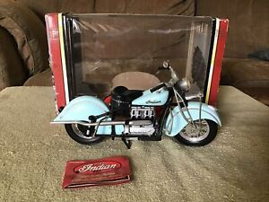 1996 TootsieToy 1942 INDIAN 442 1/10 Scale Motorcycle Diecast - Used