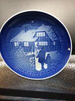 "ROYAL COPENHAGEN 1973 ""Country Christmas"" Denmark Christmas 7""  Plate"
