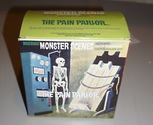 Moebius Monster Scenes The Pain Parlor 1/13 Snap Together.