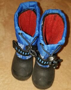 Black and blue KAMIK Waterproof toddler snow boots size 8